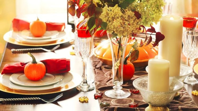 Thanksgiving table setting | 11 Thanksgiving Table Runners Perfect For A Memorable Holiday | Featured