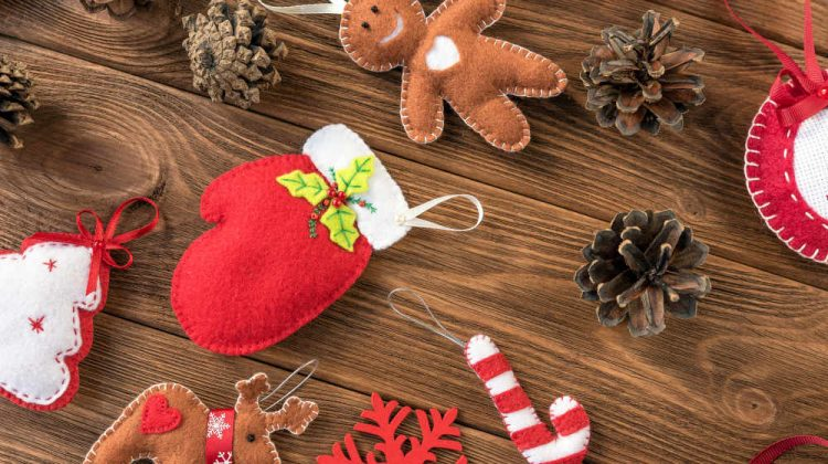 Christmas decor felt handmade pine | Simple Christmas Ornaments | Fabric Crafts And Sewing Projects | Simple Christmas Decorations | Easy Christmas ornaments | Featured