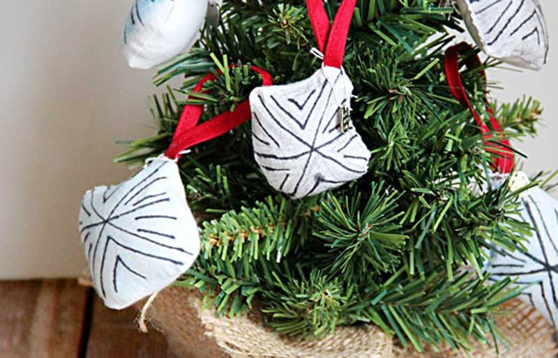fabric snowflake ornament   christmas ornaments to sew