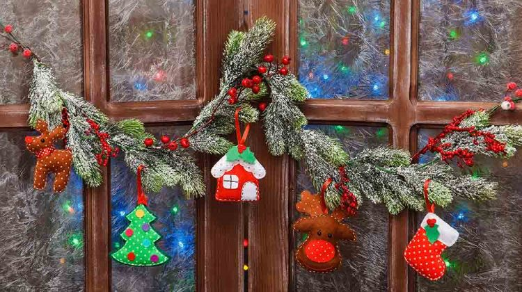 handmade toy house christmas tree deer | Christmas Ornaments To Sew | Fabric Crafts And Sewing Projects | Featured