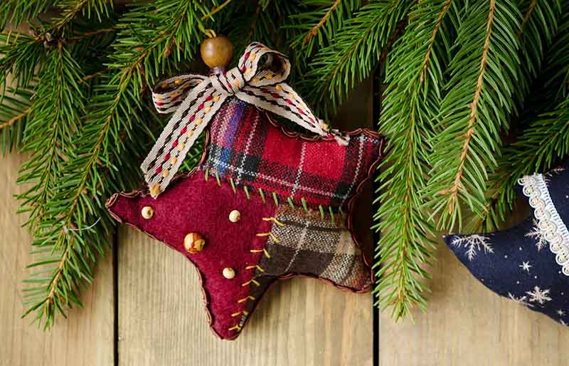 rustic christmas backdrop handmade decorations | christmas ornaments to sew