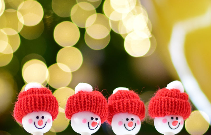 snowman head on abstract background | christmas ornaments to sew
