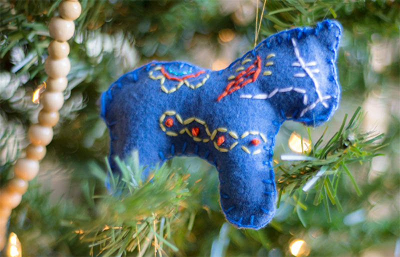 stitched dala horse   christmas ornaments to sew