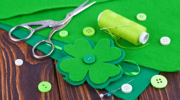 Felt clover leaf, decor for St. Patrick's Day | Easy St Patrick's Day Decorations | Sewing Projects | Featured