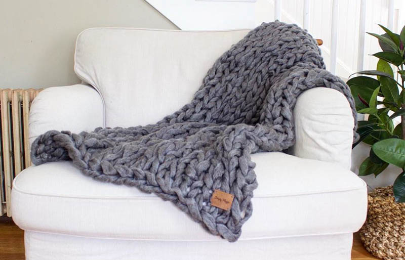 arm knit blanket | creative knitting projects