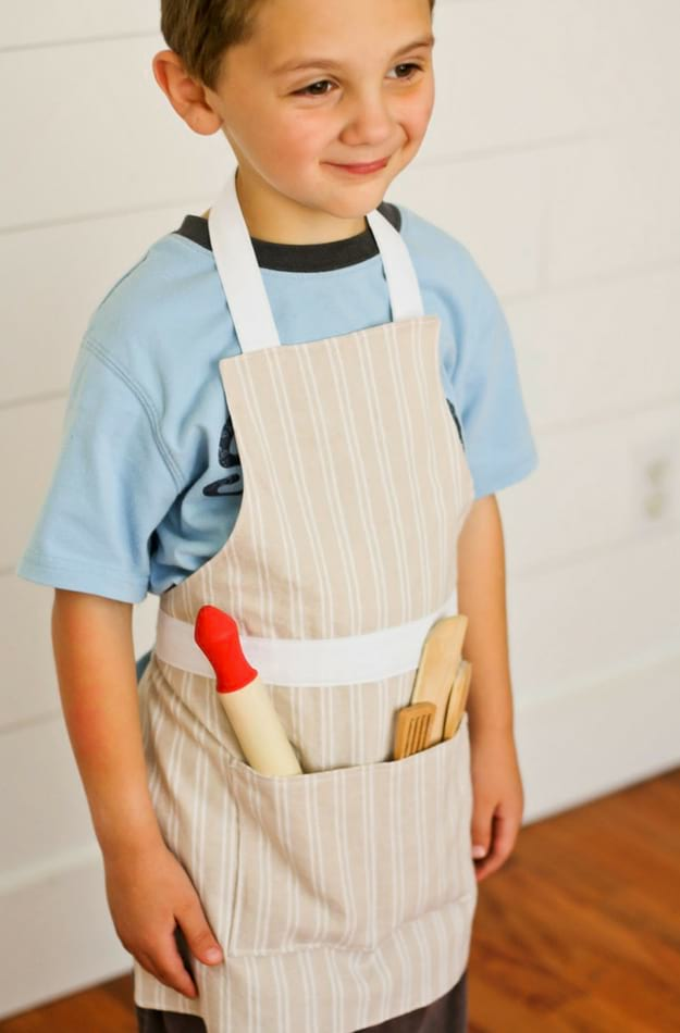 6 Children's Apron Patterns | DIY Apron Pattern Ideas That Will Inspire You In The Kitchen