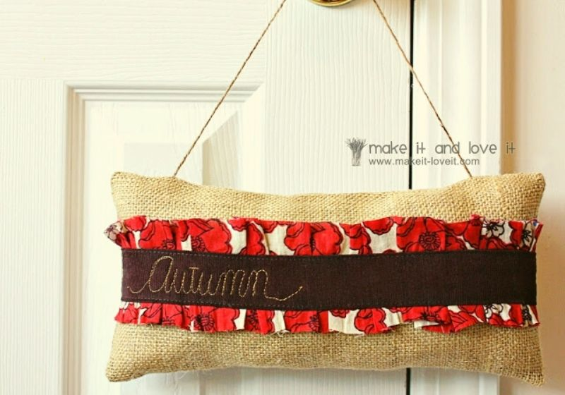 Autumn Door Hanger | sewing projects for the home