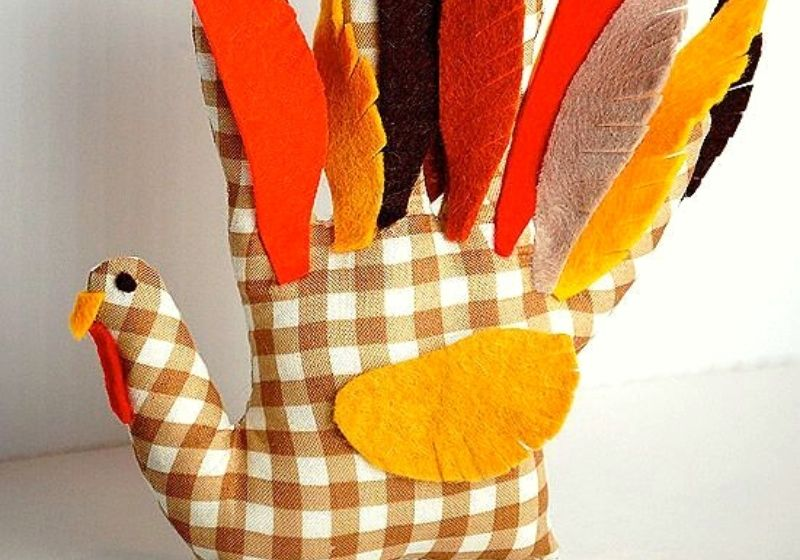 handprint turkey softie | easy sewing projects for kids