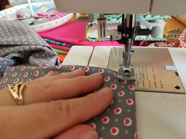 How To Sew Elastic Casing The Proper Way