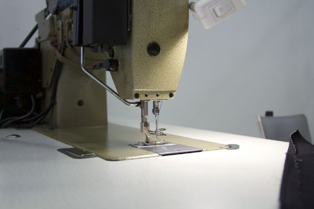 Sewing 101 : How to Sew a Straight Stitch