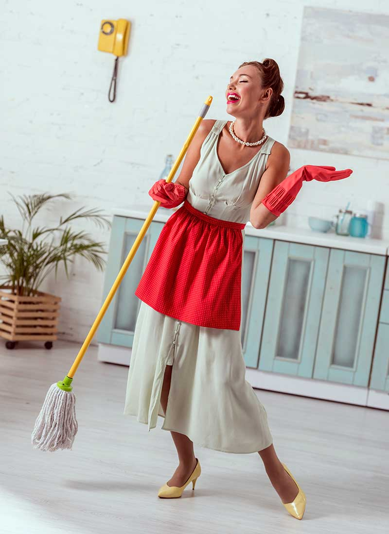 pretty pin girl singing while cleaning | apron pattern