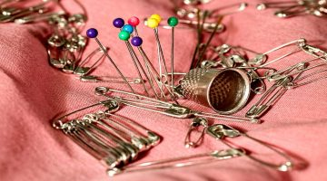 Pins and Thimble| Reasons to Use a Sewing Thimble| Featured